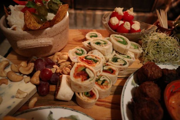 Vegan, Green comfort food, vegan partyfood, vegan snacks, vegan borrelplank, wraps, Vegafit