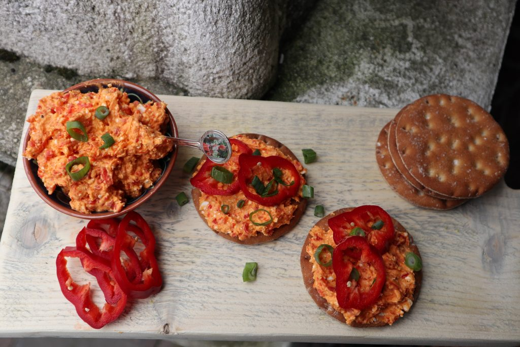 vegan, green comfort food, vegan smeersel, vegan partyfood, vegan fetakaasspread