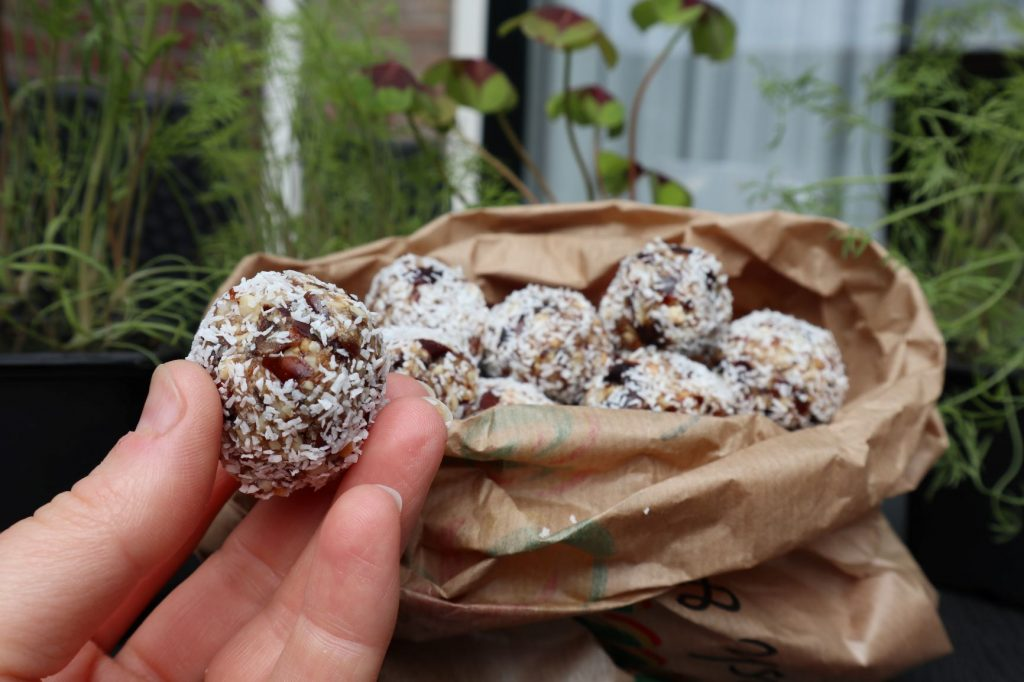 vegan, green comfort food, noten dadel bliss balls