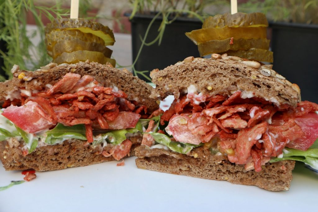 vega, green comfort food, vegan blt sandwich, vegan lunch recepten